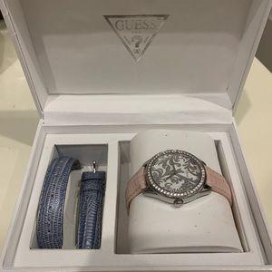 Guess wristwatch with interchangable strap